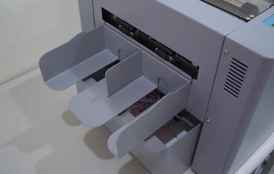Duplo Ultra Cut 130 Adjustable Stacker